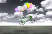 Ballon-fahrrad in den himmel — Stockfoto