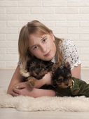 Beautiful girl and two dogs — 图库照片