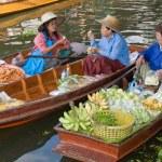 Damnoen Saduak floating market — Stock Photo #13519646