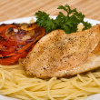 Spaghetti with chicken — Stock fotografie