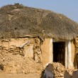 Hut in the desert near Jaisalmer, India — Stok fotoğraf