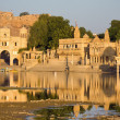 Gadisagar lake, Jaisalmer, India — Stock Photo #19622303