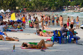 Strand voordat de full moon party in eiland koh phangan, thailand — Stockfoto