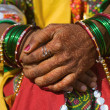 Henna on hands of bride from India — ストック写真