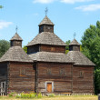 Wooden ukrainian antique orthodox church in summer in Pirogovo museum, Kiev, Ukraine — Stock Photo