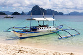 Boats waiting for tourists to travel between the islands. — Foto Stock