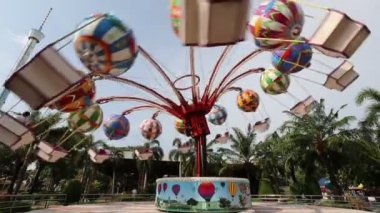 Siam Park City , Playground with a carousel. — Stock Video