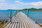 Jetty and beauty beach on daylight — Stock Photo
