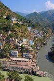 Devprayag is the last prayag of Alaknanda River and from this point the confluence of Alaknanda and Bhagirathi River is known as Ganga. Uttarakhand, India. — Foto Stock
