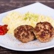 Fried cutlet with mashed potatoes — Stock Photo