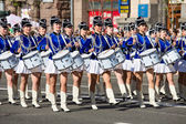 Drummer girls at the parade in Kiev, Ukraine — Stockfoto
