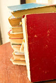 στοίβα των παλαιών βιβλίων — Φωτογραφία Αρχείου