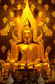 Golden buddha statue — Стоковое фото