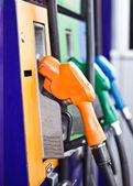Kleurrijke stookolie benzine automaat — Stockfoto