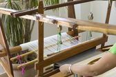 žena tkaní — Stock fotografie