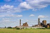 Oude verlaten fabriek — Stockfoto