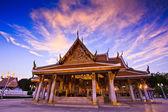 Temple wat in bangkok — Stock Photo
