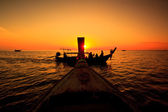 Sunset sea and boat — Stock Photo