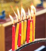 Vela de oración la iluminación — Foto de Stock
