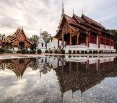 Wat Phra Sing Water reflection — Foto Stock