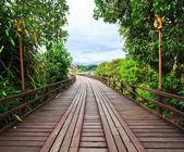 Trä bro — Stockfoto