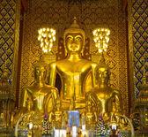Wat phrathat hariphunchai temple — Stock Photo