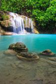 Verbazingwekkende waterval — Stockfoto