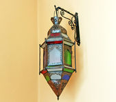 The old classical lantern on the wall — Stock Photo