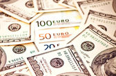 Two leading currencies - US Dollar and Euro — Stock Photo