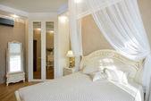 Interior of a luxury bedroom — Stock fotografie