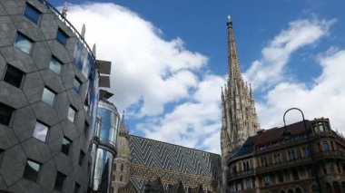 Time lapse of the Vienna Stephansdom — Stock Video