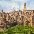 Panoramview of town Pitigliano, Italy — Stock Photo #32953101