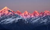 山に沈む夕日 — ストック写真