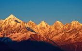 Sunset over mountain — Stock Photo