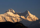 Snow clad himalayan peak — Stock Photo
