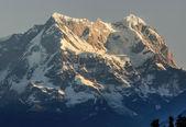 Sunrise at snow clad peak — Stock Photo