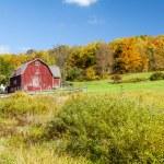 Hillside Barn — Stock Photo #34702301