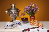 Village still life with samovar — Stock Photo