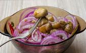 Chopped fresh raw onion and mushroom — Stock Photo