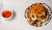 Shrimps deep fried and sweet chili — ストック写真