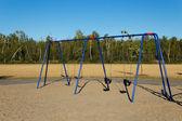 Balanço no parque infantil — Fotografia Stock