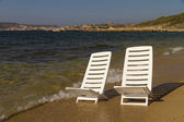 Holiday chairs at the sea — Stock Photo