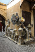 Oriental lamps and brassware for sale at the medina in Fes — Stock Photo