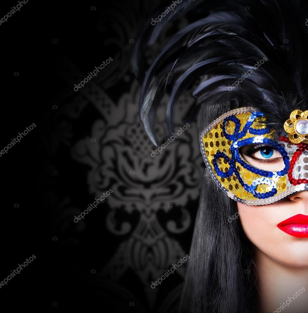 Сексуальные девушки в карнавальных масках 2 фотография