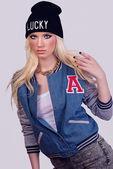 Beautiful fashionable blonde model posing — Stock Photo