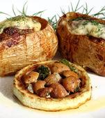 Фаршированный картофель — Стоковое фото