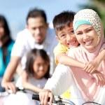 ������, ������: Happy family with bikes