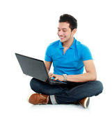 Man using laptop — Stock Photo