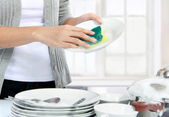 Washing dishes — 图库照片