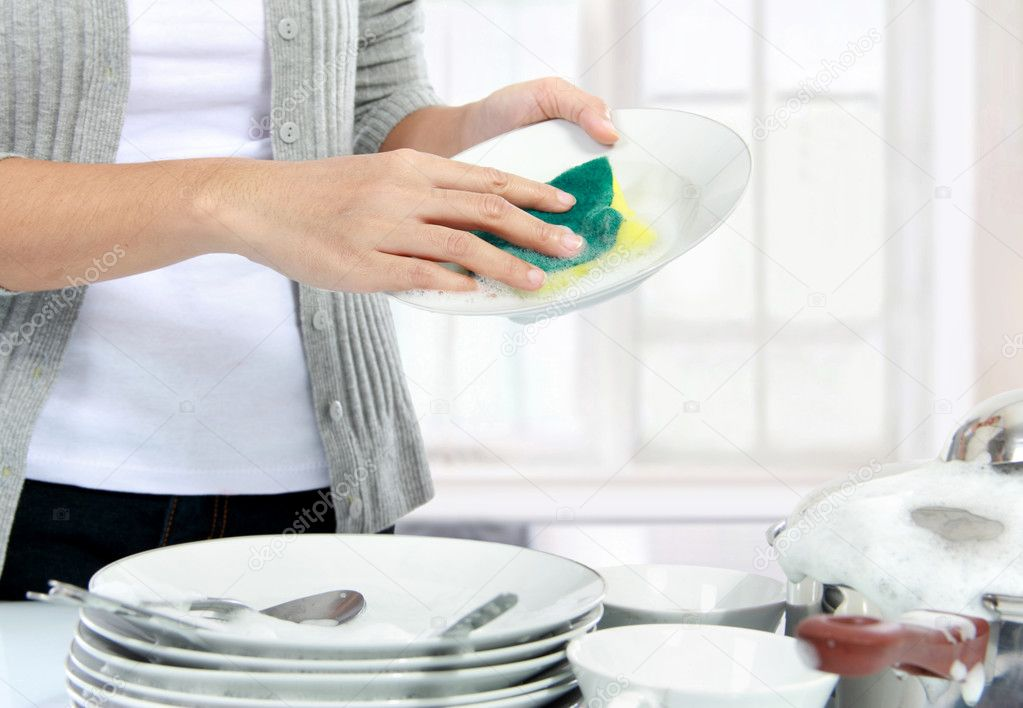 清洗餐具 — 图库照片08odua#23138206